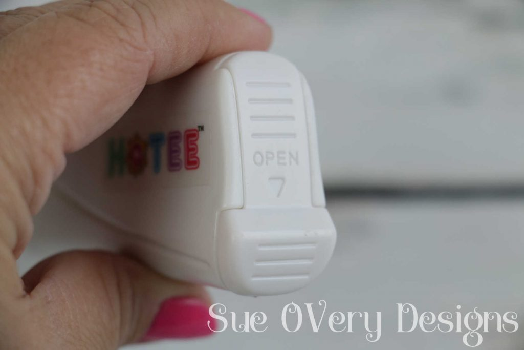 How to use the hotee, hotee, cordless hotfix, how to use a hotfix, cordless hotfix rhinestones, rhinestone applicator tool, how to add hotfix, how to add rhinestones, how to press, how to iron